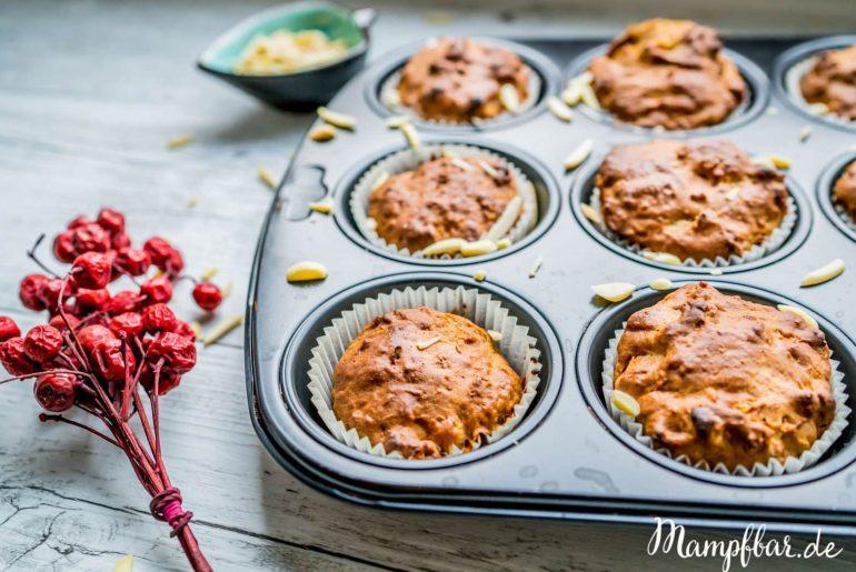 Apfelmuffins mit Zimt ganz ohne raffinierten Zucker - leckerer Snack für deine Kinder. Mehr Rezepte für deine ganze Familie findest du auf mampfbar.de
