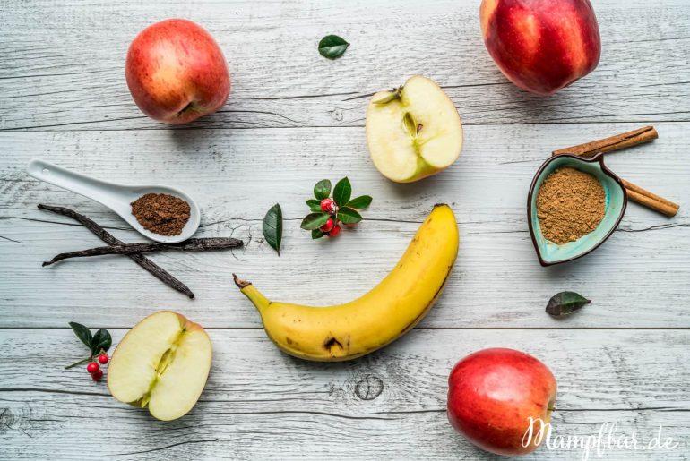 Selbst gemachtes Apfelmus ganz ohne Zucker. Weitere gesunde Rezepte für deine ganze Familie findest du bei uns auf mampfbar.de