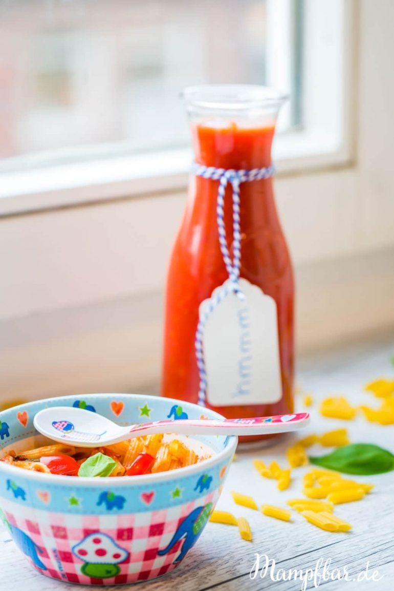 Mögen eure Kinder auch am liebsten Nudeln mit Tomatensauce? Klasse, dann schau doch mal bei uns auf mampfbar.de vorbei. Wir haben ein leckeres Grundrezept und fünf Tipps wie du noch mehr Gemüse rein schmuggeln kannst.
