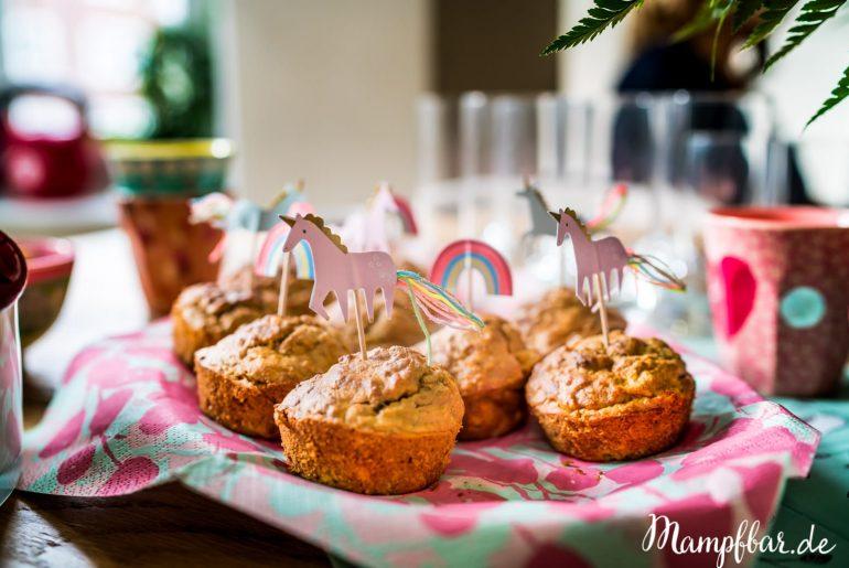 Einfache und gesunde Muffins für Kinder ganz schnell selber machen. Klickt hier für das ganze Rezept und viele weitere Ideen für Kinder.