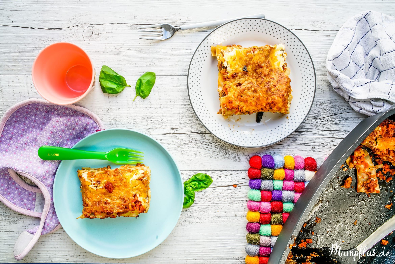 Leckeres Familienrezept: Lasagne mit schön viel verstecktem Gemüse. Das Rezept findest du bei uns auf mampfbar.de