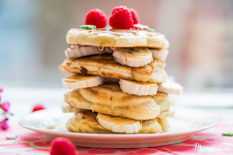 Lust auf richtig fluffig Pancakes? Dieses Rezept ist einfach großartig. Hüpf rüber zu uns auf mampfbar.de und probier es direkt aus.